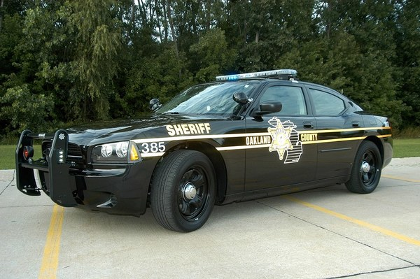 Pedestrian Killed Crossing M-59 in Highland Twp.