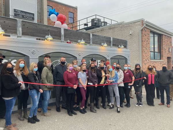 2Fogs Pub Hosts Grand Re-Opening & Ribbon Cutting