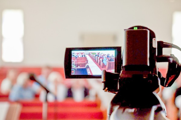 Committee Reviews Options To Broadcast County Commission Meetings