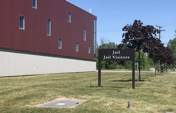 Additional, Extended Fencing Approved For County Jail