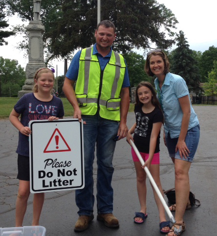 Southeast Elementary Third Grade Students Help Keep Howell City Park Clean