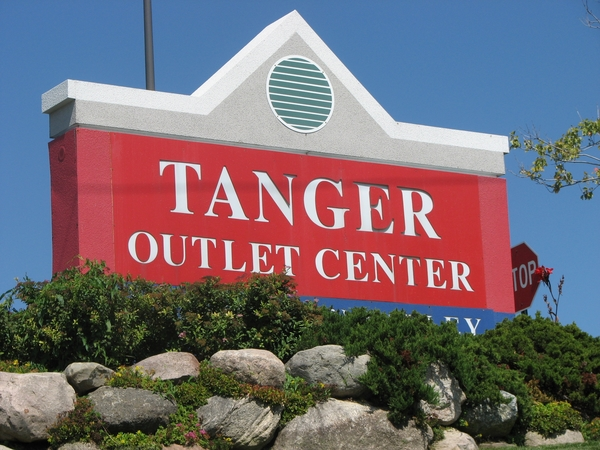 Tanger Ceases Operations; Only Green Oak Mall Restaurants Open